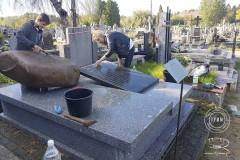 uczniowie-pomoc-cmentarz-zm-4